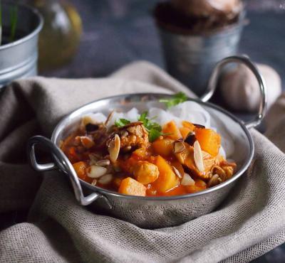 Curry z kurczakiem, dynią i masłem orzechowym