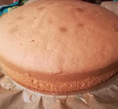 Biszkopt na tort.