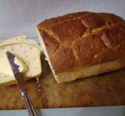 Chleb pszenny z płatkami orkiszowymi